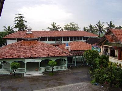 Wisata Ziarah dan Bertawassul di Makam KH Syamsuri Dahlan Brabo