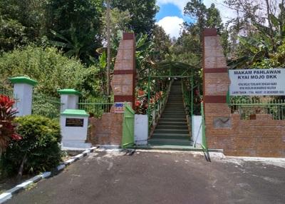 Wisata Ziarah dan Berdoa di Makam Kyai Modjo Minahasa