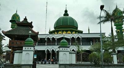 Wisata dan Ziarah di Makam Mbah Sambu Rembang