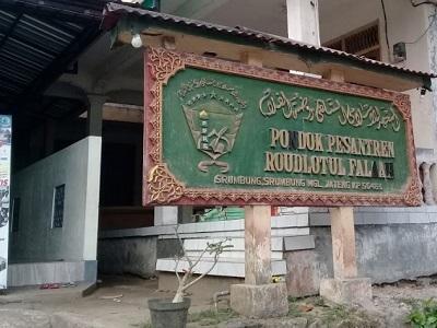 Lintas Rohani dan Berdoa di Makam K.H. Djazuli Magelang