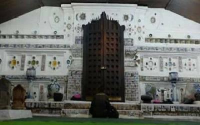 Lintas Wisata Cirebon dan Bertafakur di Makam Sunan Gunung Jati