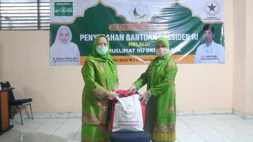 Muslimat NU DKI Jakarta Salurkan Bantuan Presiden RI