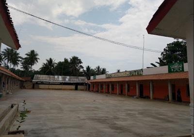 Pesantren Asyaroniyah Lampung Timur