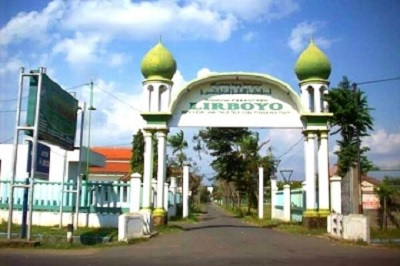 Safari Religi dan Bertawassul di Makam KH. Maksum Jauhari Lirboyo