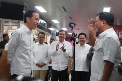 10+2 Alasan Jokowi Pilih Prabowo Jadi Menteri Pertahanan