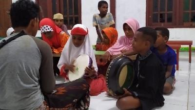 Santri Goes To Papua: Membumikan Sholawat di Suku Kokoda Papua