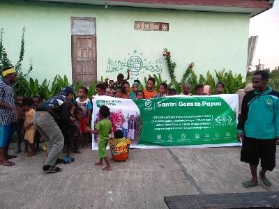 Program Santri Goes To Papua Bantu Mencerdaskan Anak Asli Papua