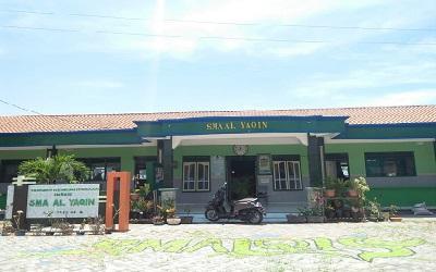 SMA Al Yaqin Rembang