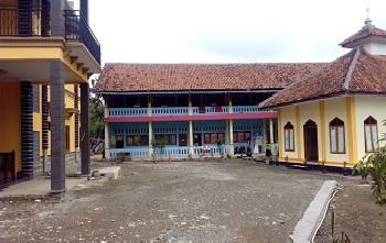 Pesantren Al-Ma'rifah Cirebon