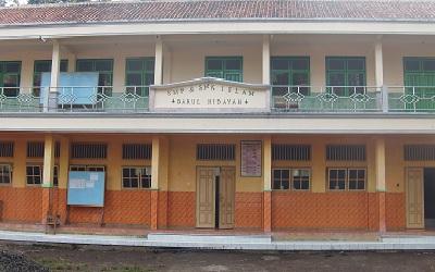 SMK Islam Darul Hidayah Bangsalsari Jember