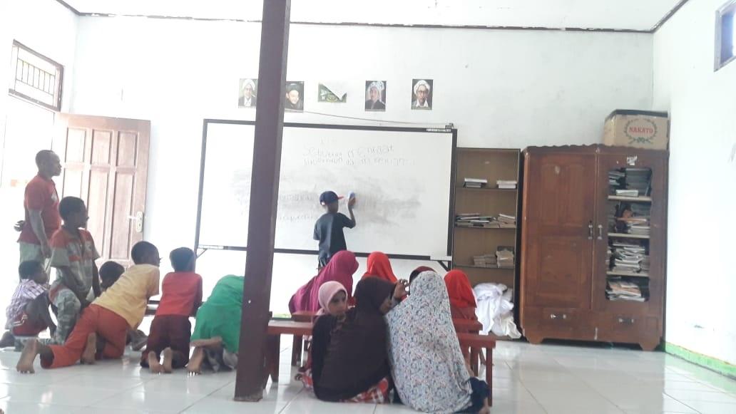 Santri Goes To Papua: Kisah Anak Suku Kokoda tidak Masuk Sekolah, Takut Dihukum