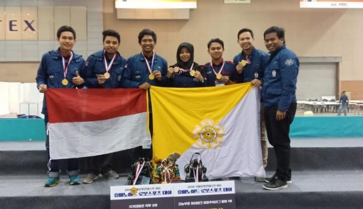 UGM Juara Satu pada Ajang Kontes Robot Internasional di Korea