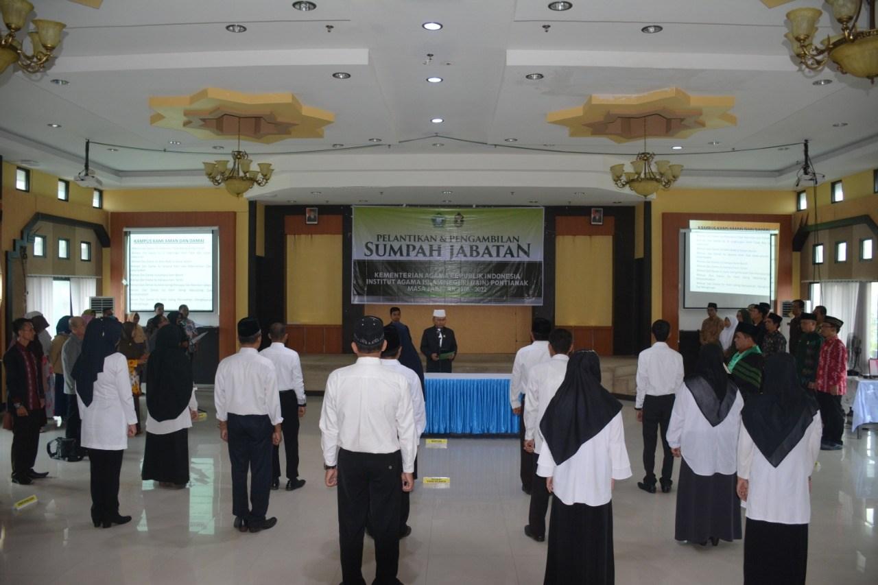 Reektor IAIN Pontianak Harap Pejabat Baru yang Dilantik Komitmen atas Motto Kerja dan Prinsip Kerja
