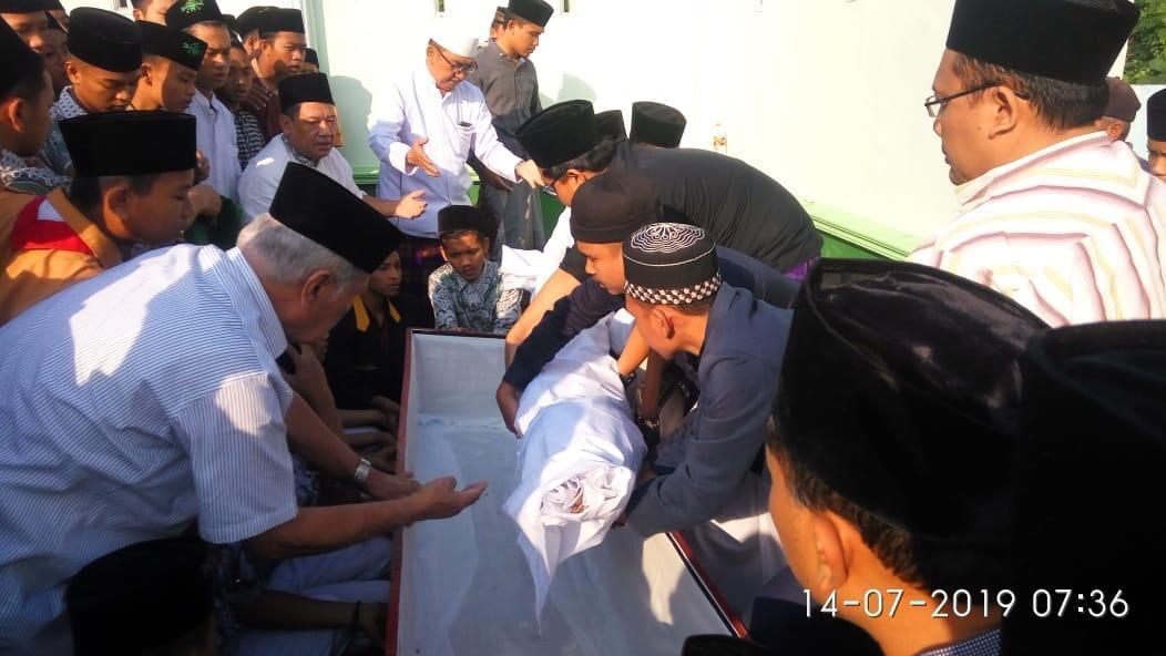 Jasad KH Hasbullah Muin Masih Utuh Setelah 8 Tahun Dikebumikan