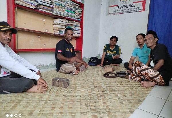 Momen Kedatangan KKN Mahasiswa INAIFAS di Madin Al-Ibriz Iru Nigeiyah Papua