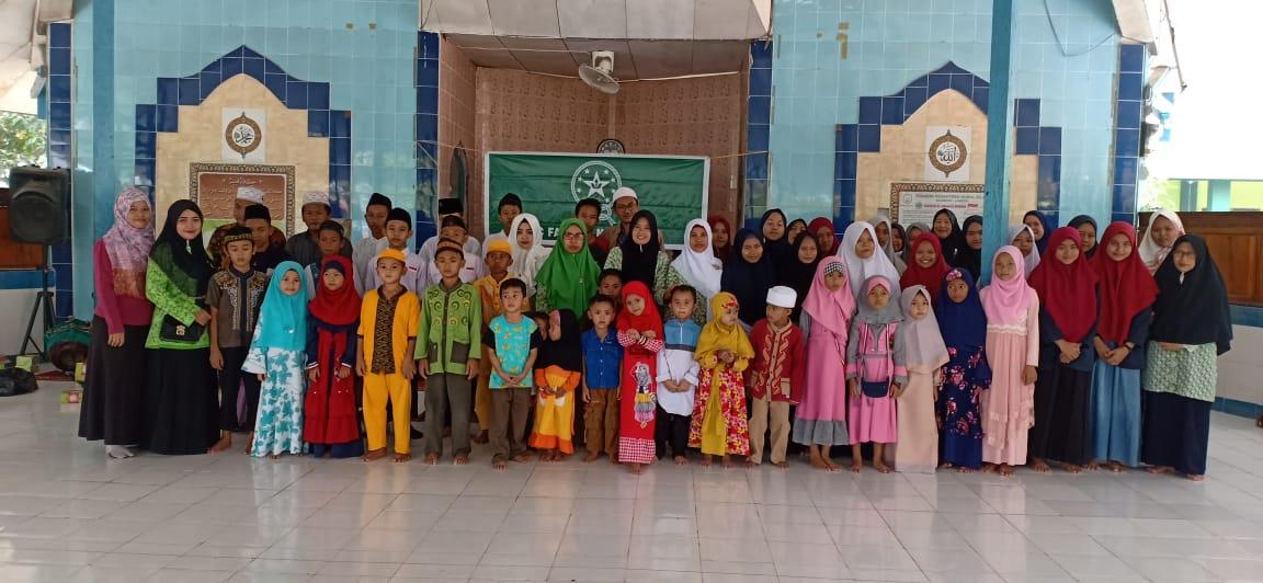 Semarak Asyura, PC FatayaT NU Landak Gelar Santunan Yatim Piatu