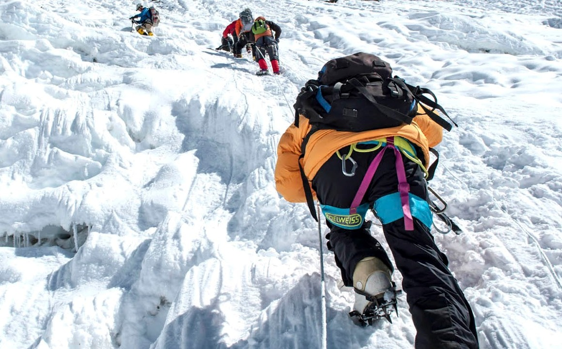 Gunung Everest Kembali Menelan Korban 10 Orang dalam Pendakian Bulan Ini