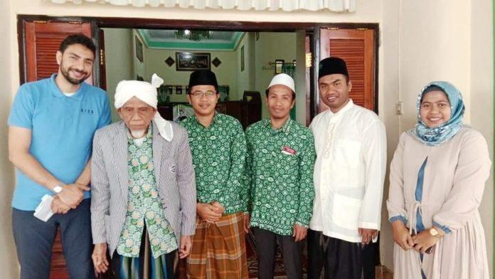 Kisah Bule Inggris Mencari Mursyid Hingga ke Datok Bagu Lombok