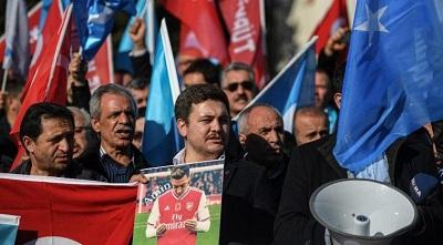 Jangan Lugu Melihat Kasus Uighur