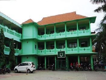 Institut Agama Islam (IAI) Qomaruddin Gresik