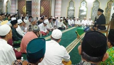 Kiai Asep Saifuddin Chalim Pimpin Tahlil 7 Hari Gus Sholah