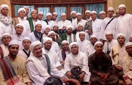 Kedahsyatan Shalawat Menurut Nabi Khidir dan Syekh Abdul Qadir Jailani