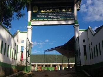 Pesantren Madarijul `Ulum Bandar Lampung