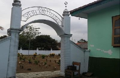 Wisata dan Ziarah di Makam Syech Abu Hasan Blitar