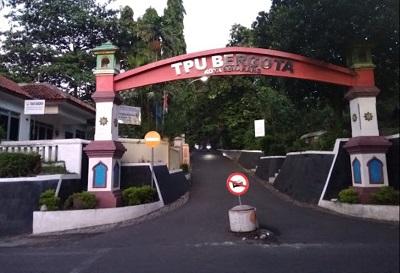Traveling Wisata Kota Semarang dan Bertawassul di Makam KH Sholeh Darat