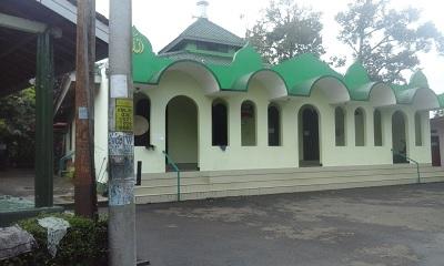 Menelisik dan Bertawassul di Makam Wali Mbah Malik Kedung Paruk Ledok Banyumas