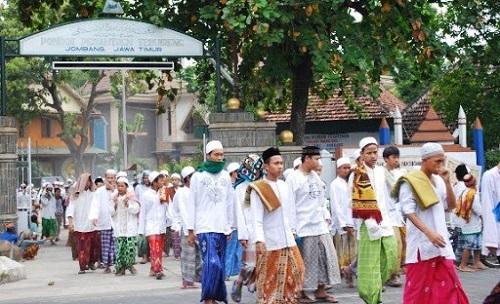 Pondok Pesantren: Tempat Aman Bagi Para Pemuda Muslim