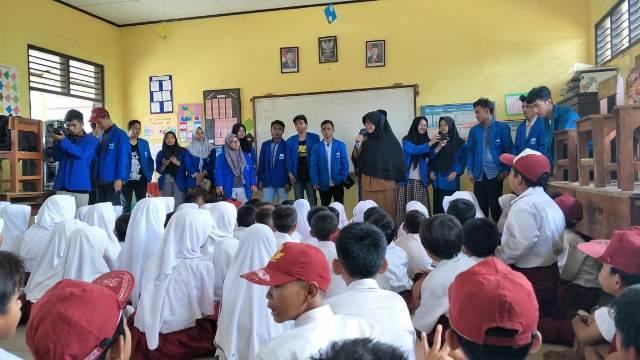 Bantu Korban Bencana Selat Sunda, PMII Unusia Kirim Peralatan Sekolah