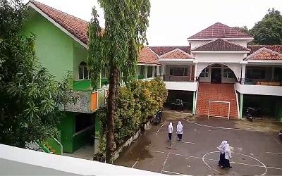 Pesantren Modern Al-Husainy Tangerang Selatan