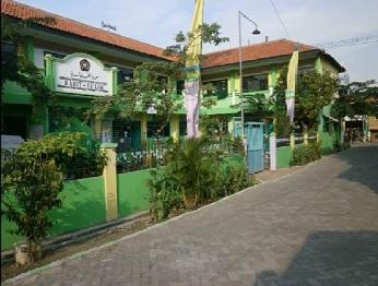 Pesantren Darut Ta'lim Surabaya