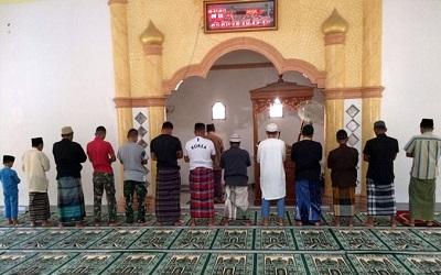 Ketika Imam Shalat Batal, Bagaimana Sikap Makmum?