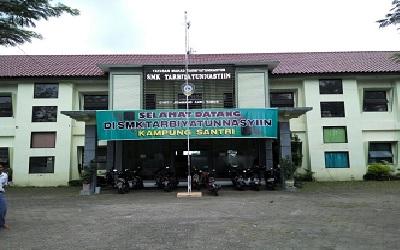SMK Tarbiyatunnasyiin Jombang
