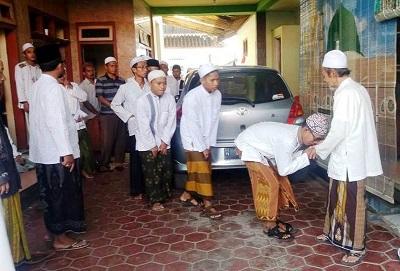 Akhlak Murid kepada Guru Menurut Kiai Hasyim Asy'ari