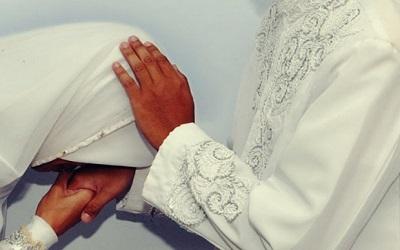 Istri yang Taat pada Suami Akan Diampuni Dosa Orang Tuanya
