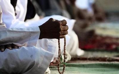 Susunan Lengkap Wirid Setelah Shalat Maghrib dan Subuh Beserta Keutamaannya