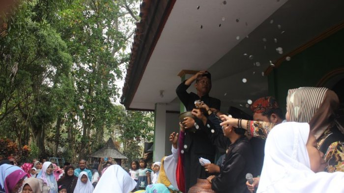 Tradisi Rebo Wekasan di Masyarakat Cirebon