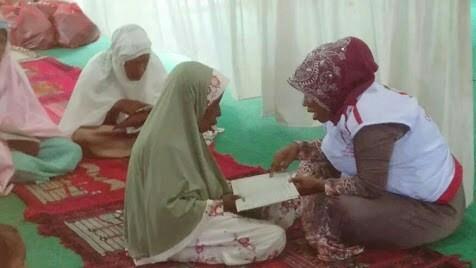 Aminatus Sadiyah, Sosok Inspiratif yang Tetap Mengajar Ngaji Meski Tak Digaji